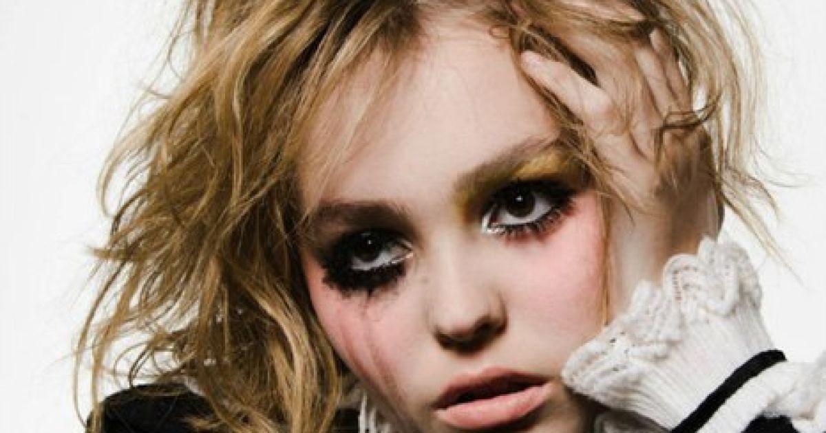 Лили-Роуз Депп снялась для VOGUE Paris