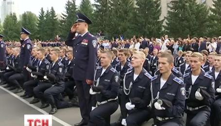 700 курсантов приняли присягу на верность Украине