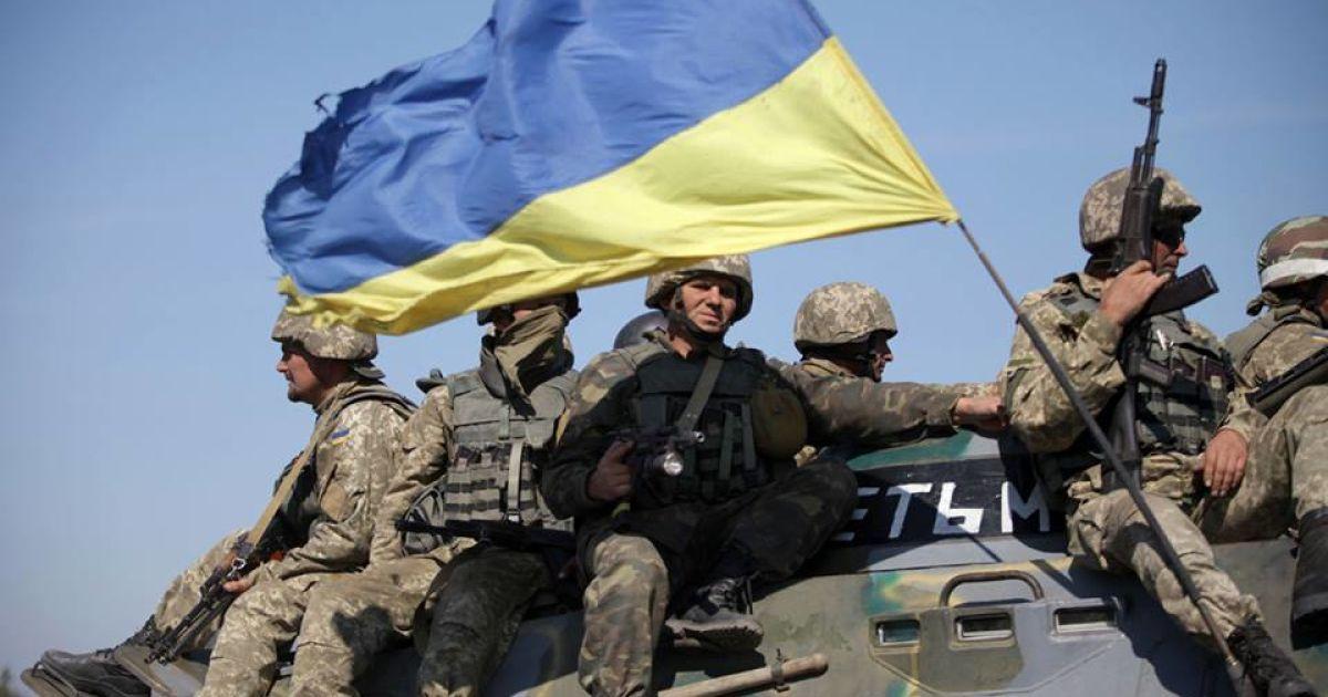 Украина начала отводить легкое вооружение на Донбассе