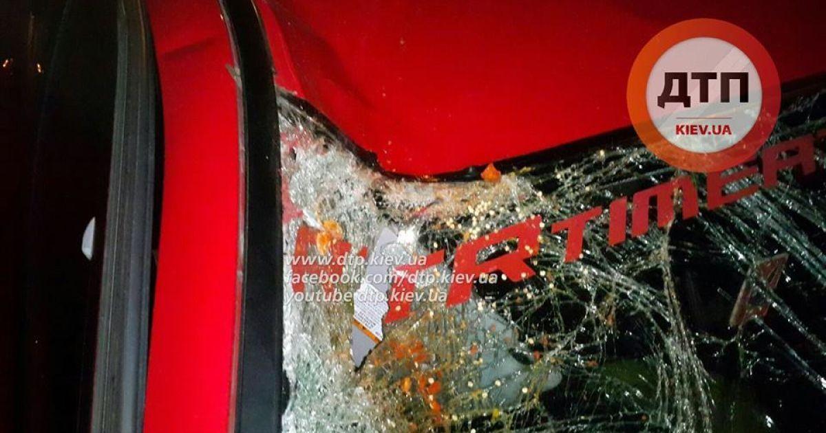 В Киеве пьяный водитель на смерть сбил мужчину @ facebook.com/dtp.kiev.ua