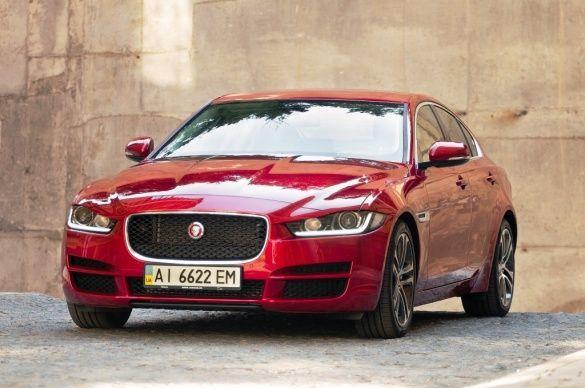 Jaguar XE_5