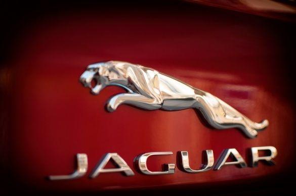 Jaguar XE_13