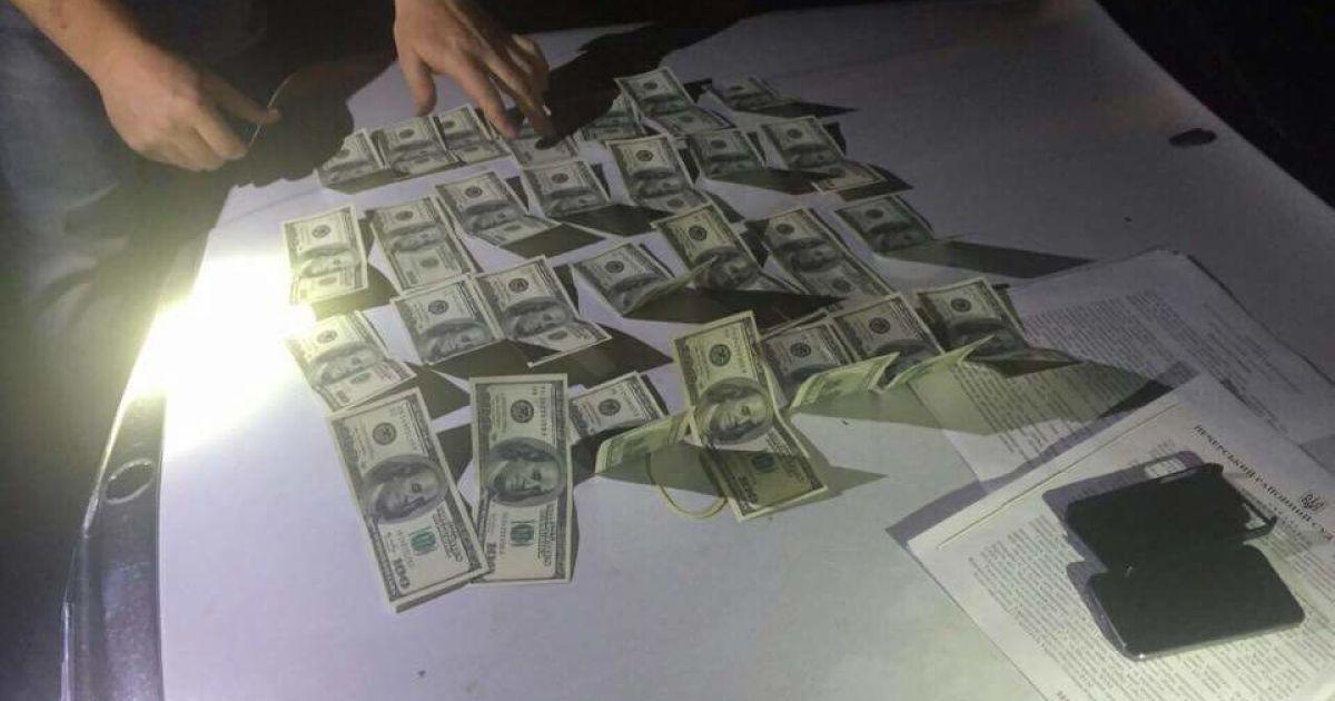 В Харькове двух прокуроров поймали на взятке и раскрыли их схемы