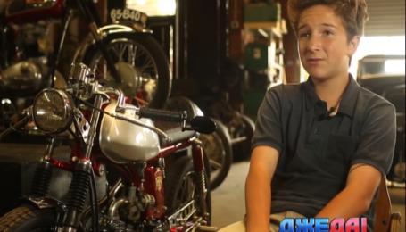 Девятиклассник у себя в гараже смастерил мотоцикл