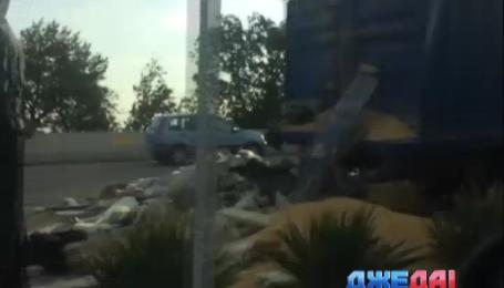 Две фуры столкнулись в Одесской области