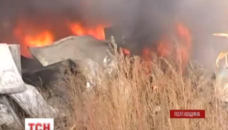 В Миргороде столкнулись, перевернулись и загорелись два грузовика