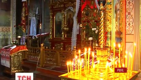 В Свято-Воскресенский Собор в центре Ровно ночью залезли грабители