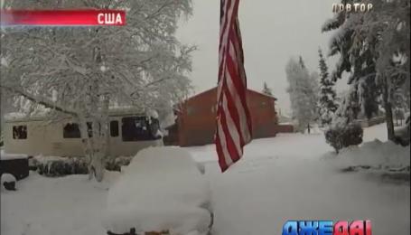 На Аляске дороги замело снегом