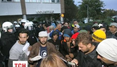 В Финляндии десятки беженцев из Ирака и Сомали устроили акцию протеста из-за еды