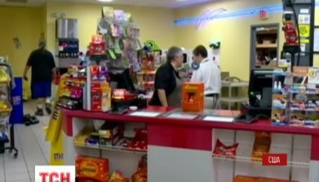 В США мужчина выиграл в лотерею больше 300 млн долларов