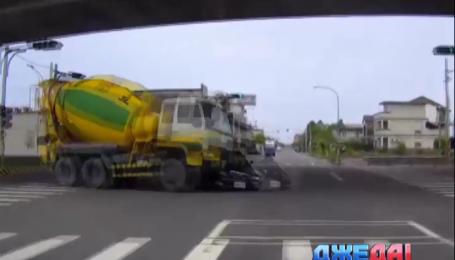 Подборка аварий из мировых дорог