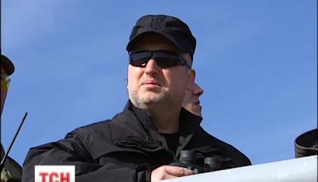 Турчинов приехал на тренировку новой Бригады спецназа Нацгвардии
