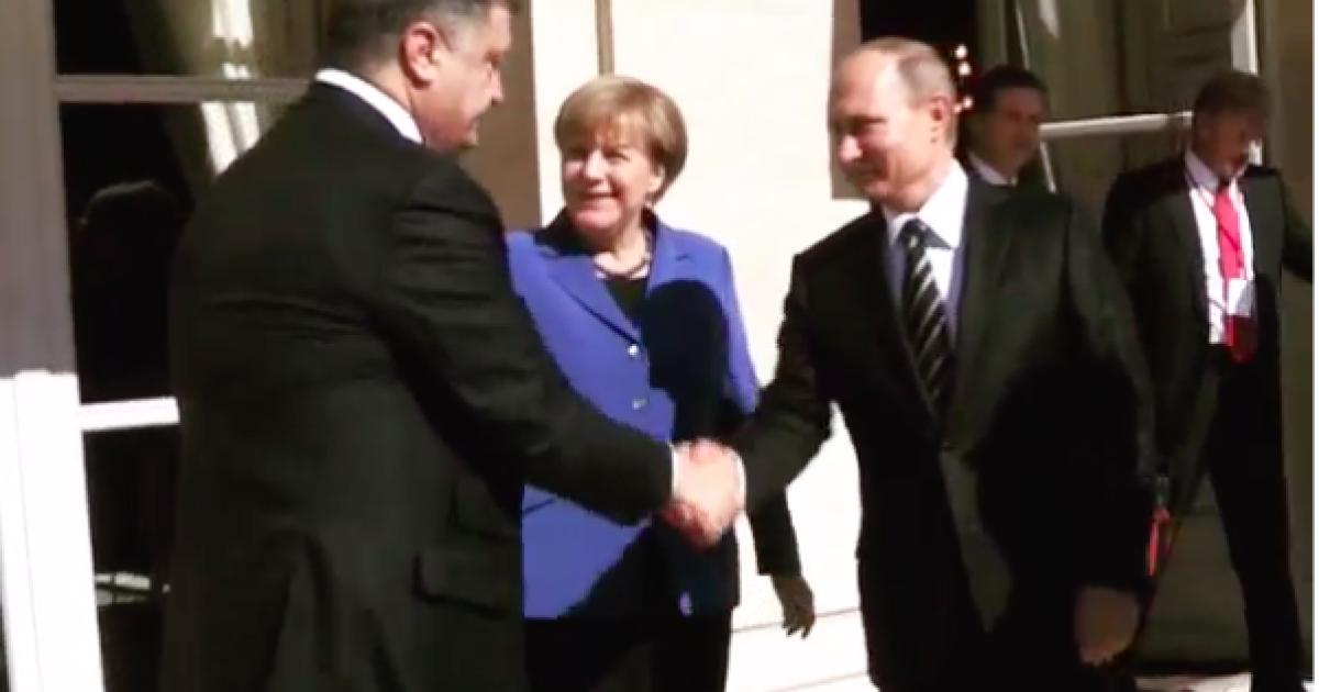 """Украинский дипломат рассказал, кто """"подбил"""" Порошенко и Путина к рукопожатию"""