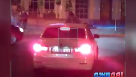Как харьковчанин наказал женщину-водителя, которая припарковалась на «зебре»