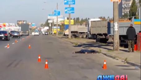 Сорвиголова в столице сбил женщину и бросил ее умирать