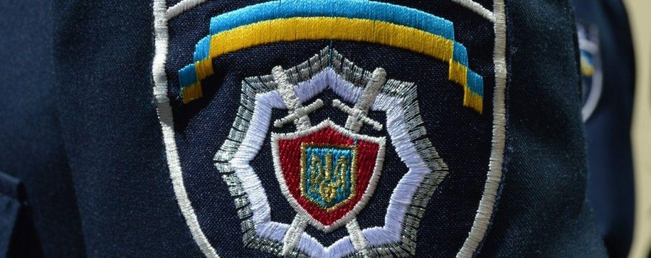 У Києві фейкові полійцейські викрали чоловіка та вимагали 10 тис. доларів