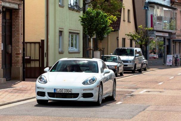 Porsche E-Hybrid: Штутгартские парадоксы