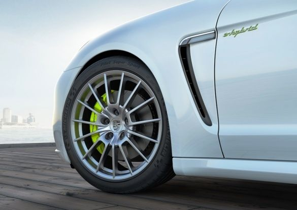 Porsche E-Hybird_10