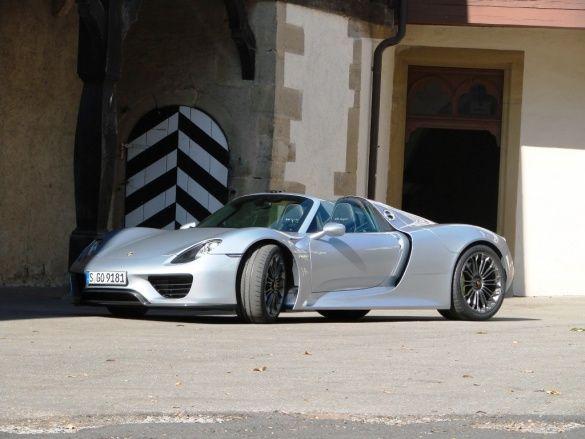 Porsche E-Hybird_23