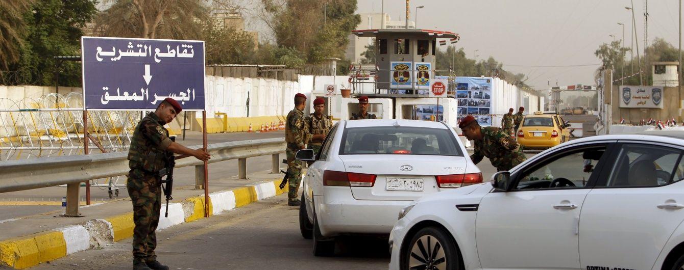 У столиці Іраку з вибухом та стріляниною захопили заручників у торговому центрі