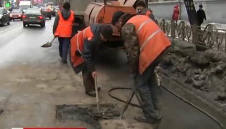 Украинцы требуют у Президента гарантий качественного ремонта дорог