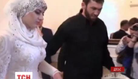 У Чечні заборонили на весіллях танець нареченої і розрізування торта
