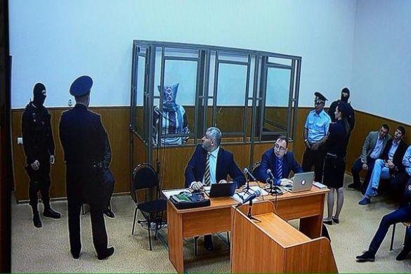 Савченко з мішком на голові