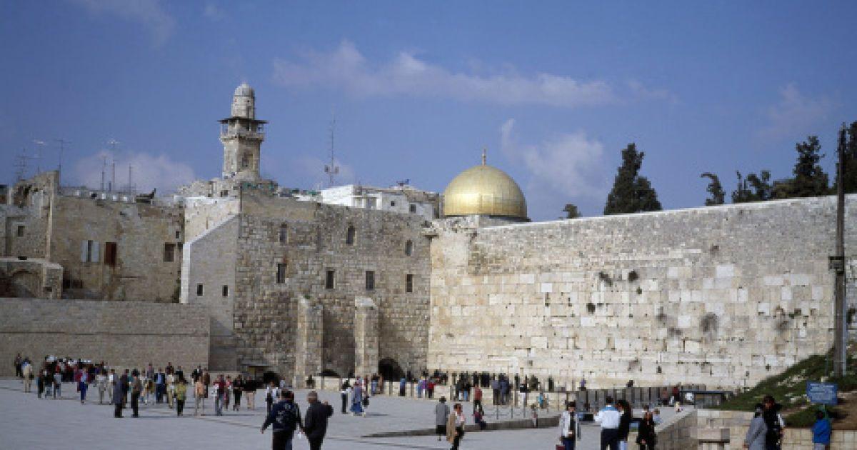 Біля Стіни плачу дозволили спільні молитви чоловіків і жінок