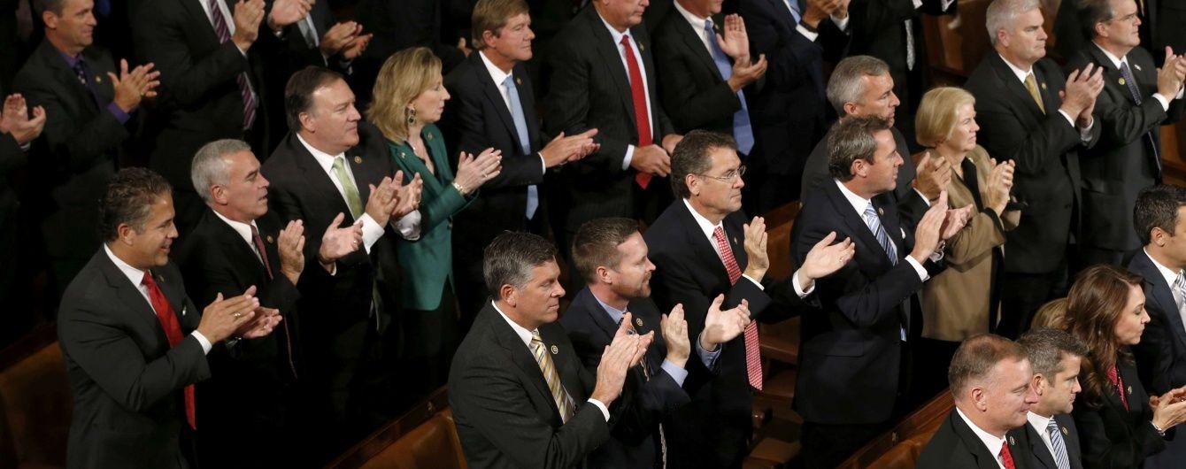 В американском Сенате могут провести слушания, чтобы расширить санкции против РФ