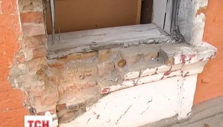 В Белгороде-Днестровском под военкоматом сработала взрывчатка