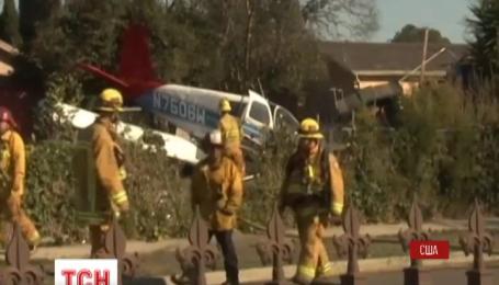 Легкий одномоторний літак розбився в одному з південних передмість Лос-Анджелеса