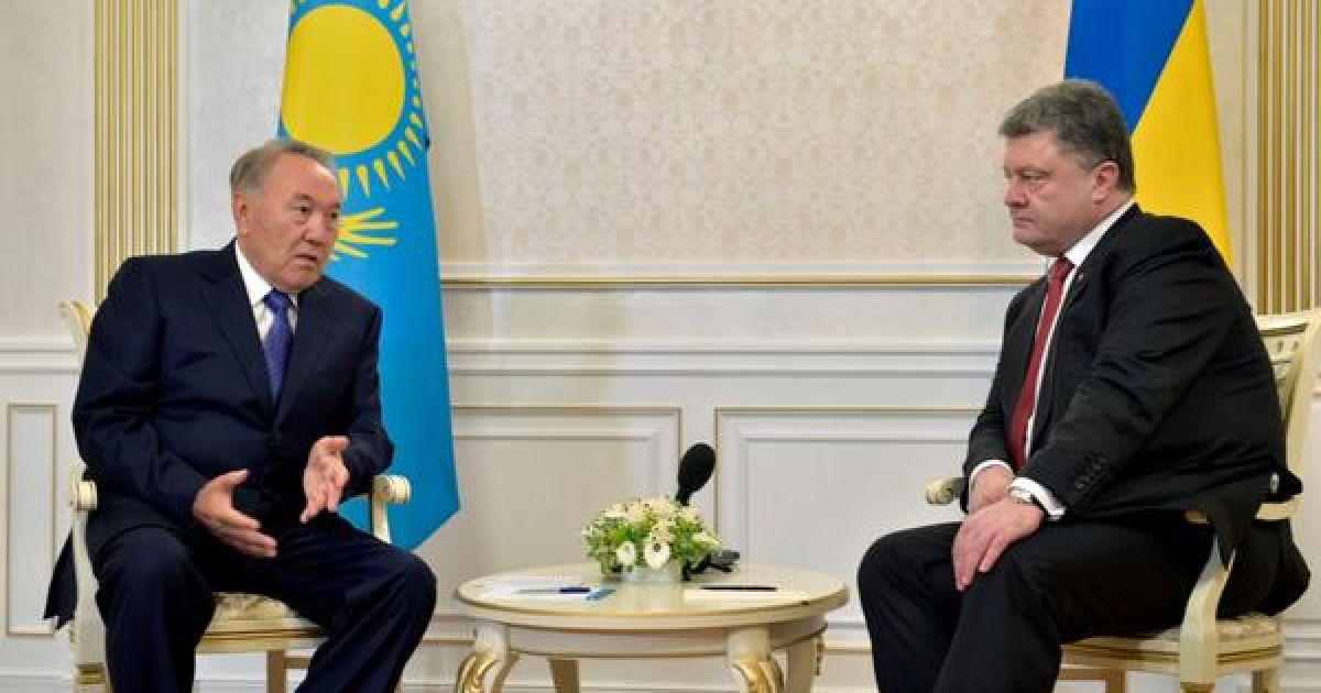 В Астане началась встреча тет-а-тет Порошенко и Назарбаева