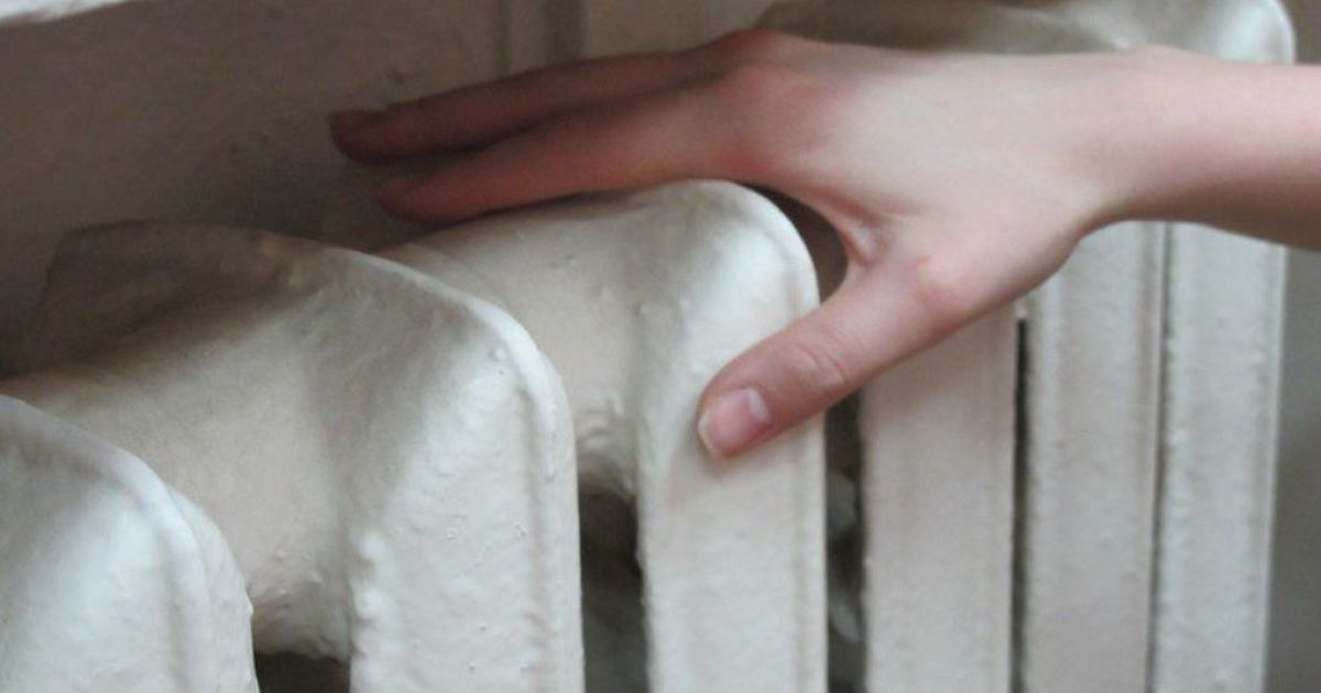 В домах украинцев начинают теплеть батареи. Города-счастливчики, где уже подали тепло