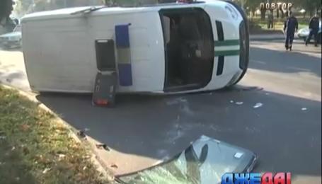 Инкассаторы протаранили пожарных в Чернигове