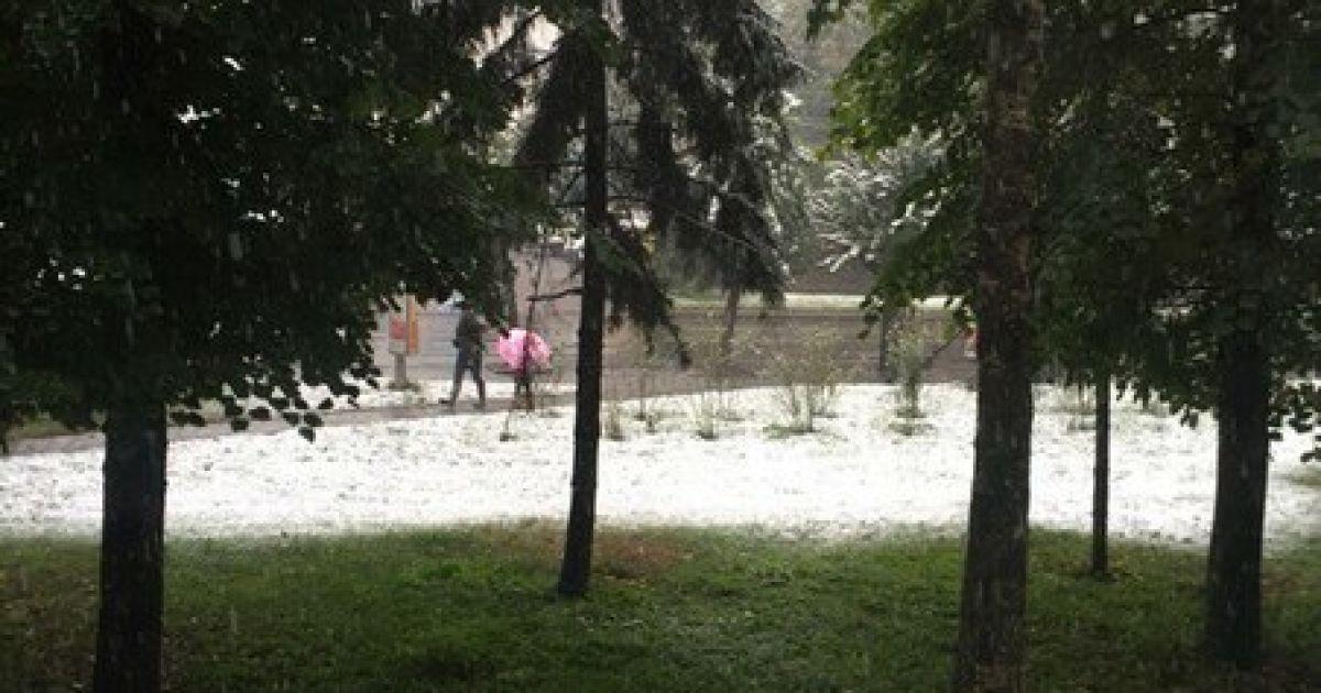 Первый снег во Львове.