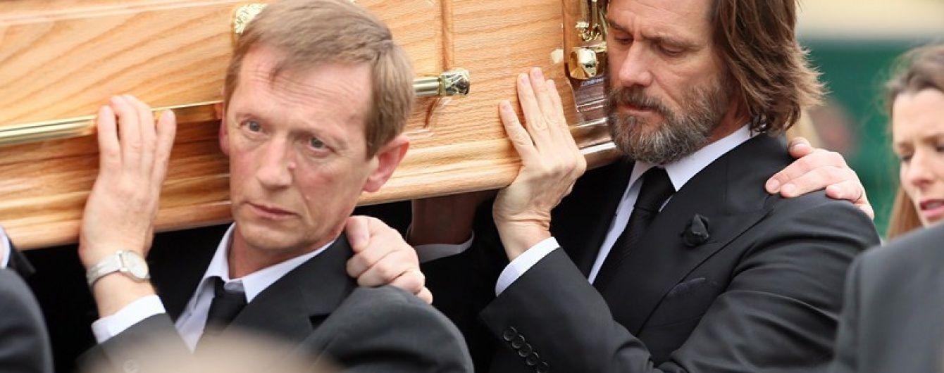 Джим Керри возмущенно ответил на обвинения в смерти любимой