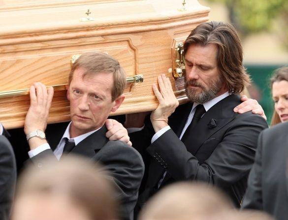 Похорон екс-дівчини Джима Керрі_2