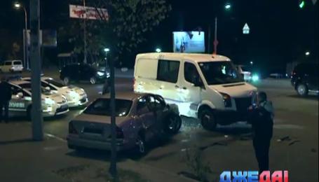 Тройная авария произошла в столице с участием машины правоохранителей