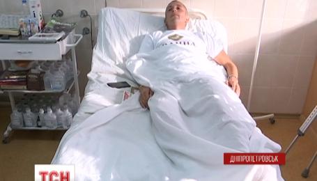 Несмотря на перемирие, раненых бойцов продолжают доставлять в днепропетровские больницы