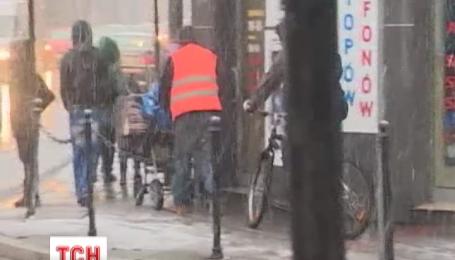 Осінній сніг вкриває Європу