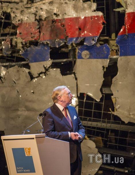 У Нідерландах показали відновлений корпус збитого на Донбасі Boeing 777