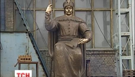 Завтра у Полтаві встановлять пам'ятник Мазепі