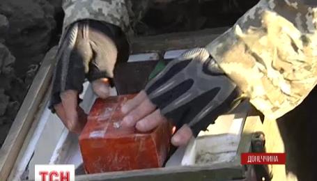 Біля Маріуполя сапери знаходять сотні мін