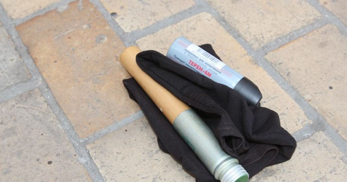Правоохранители изъяли кастеты, ножи и пиротехнику @ Пресс-служба МВД Украины
