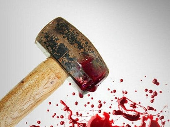 У Дніпрі взяли під арешт жінку, котра побила молотком АТОвця