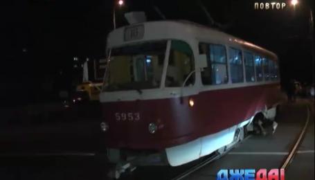Любитель пива в столице протаранил трамвай