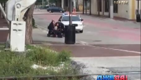 Пьяный американец решил на машине поехать в магазин и попался копам