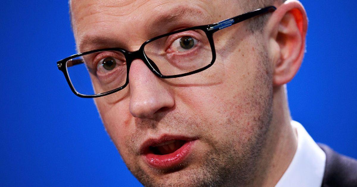 Яценюк заявил о готовности к юридической войне с Россией