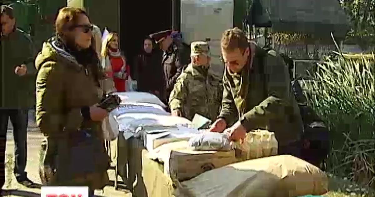 В Минобороны открыли армейские склады для волонтеров