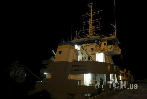 Операция по поиску жертв катера Иволга в Затоке